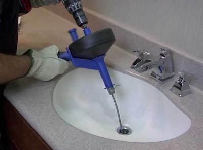 débouchage évier lavabo avec furet électrique
